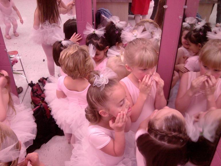 ballerina-886530_1920
